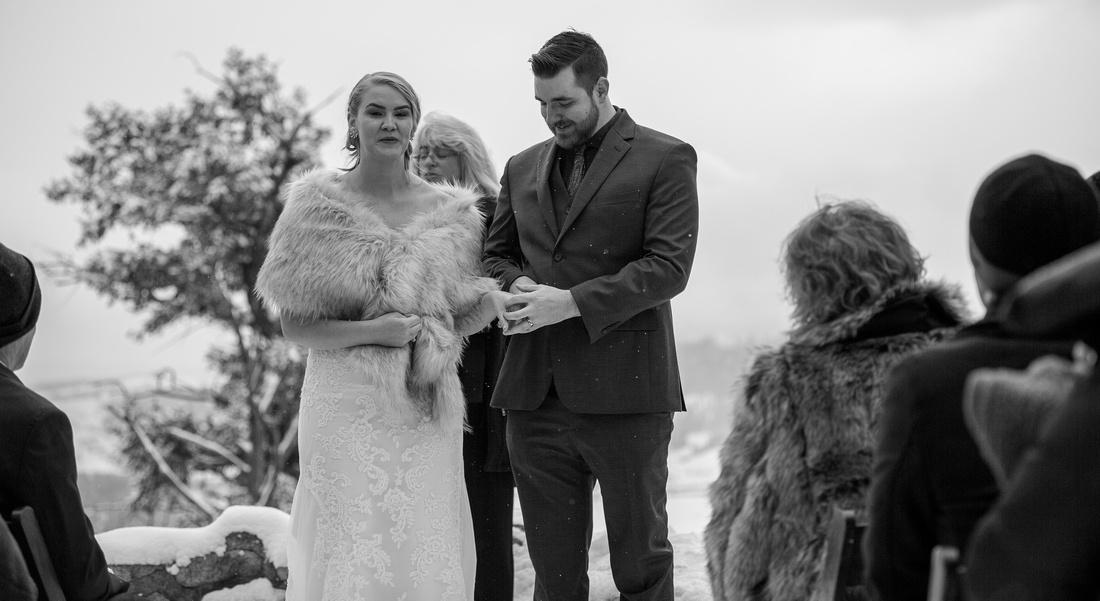 winter wedding photographer Sapphire point colorado