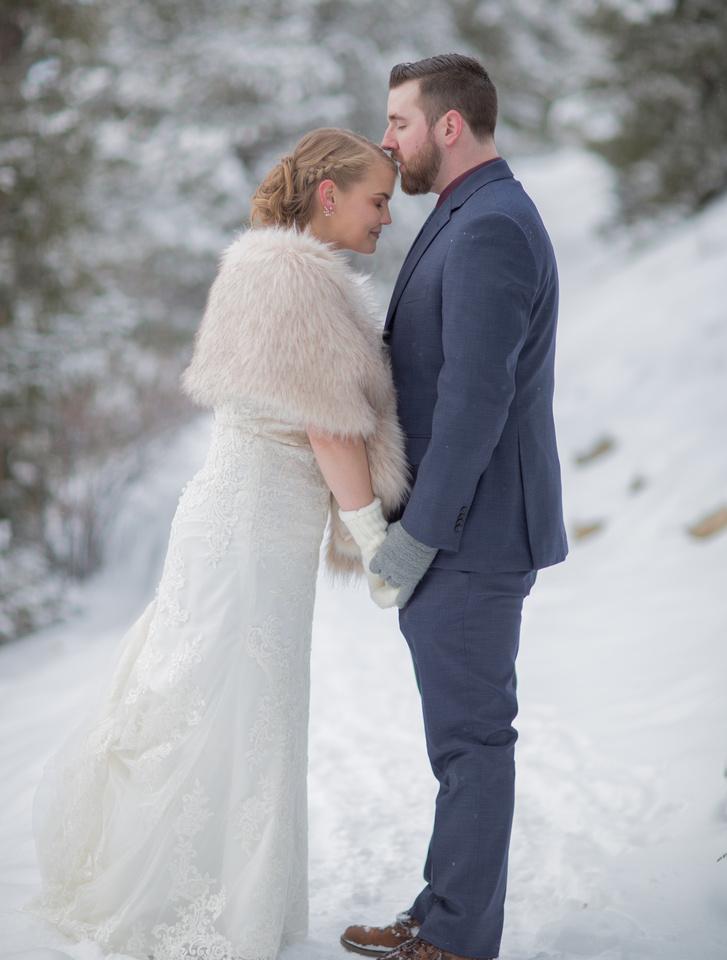 winter elopement photographer breckenridge