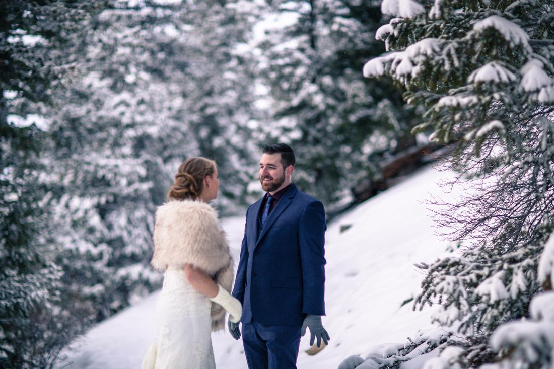 winter elopement photography breckenridge