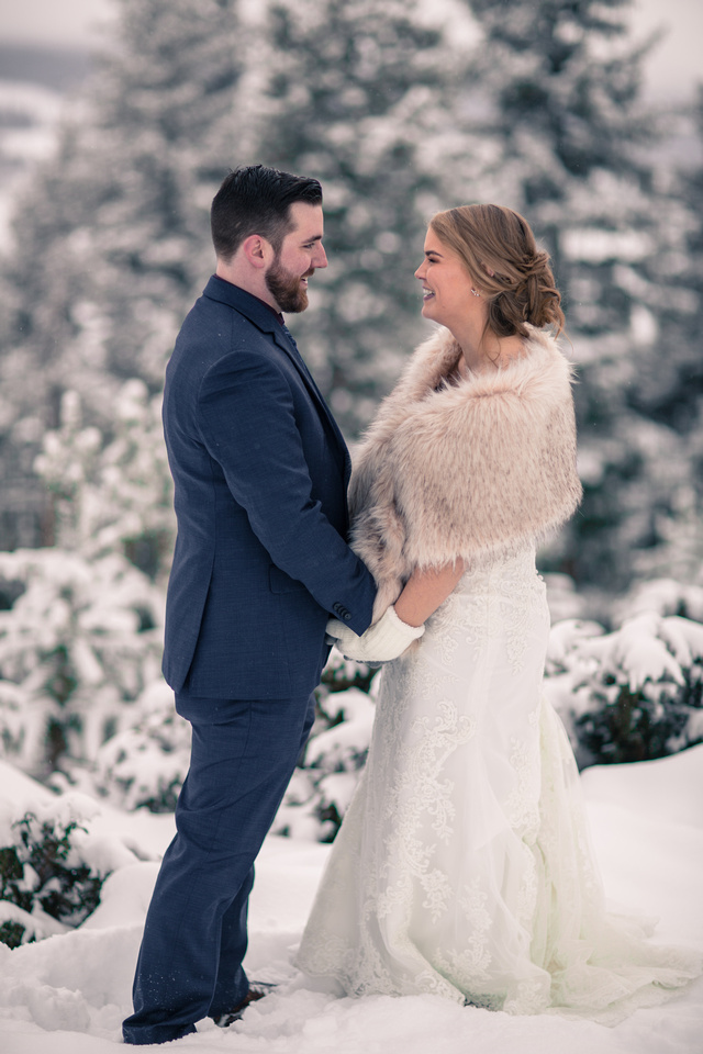 Winter wedding photographer Vail Colorado