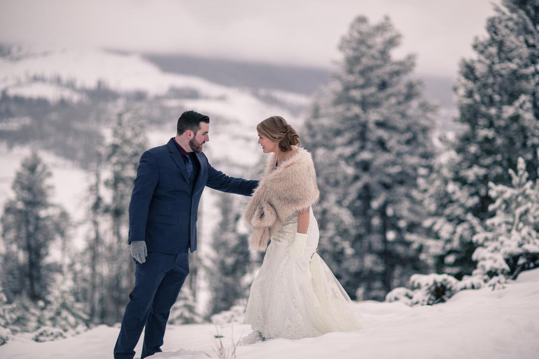 Elopement photographer Vail Colorado