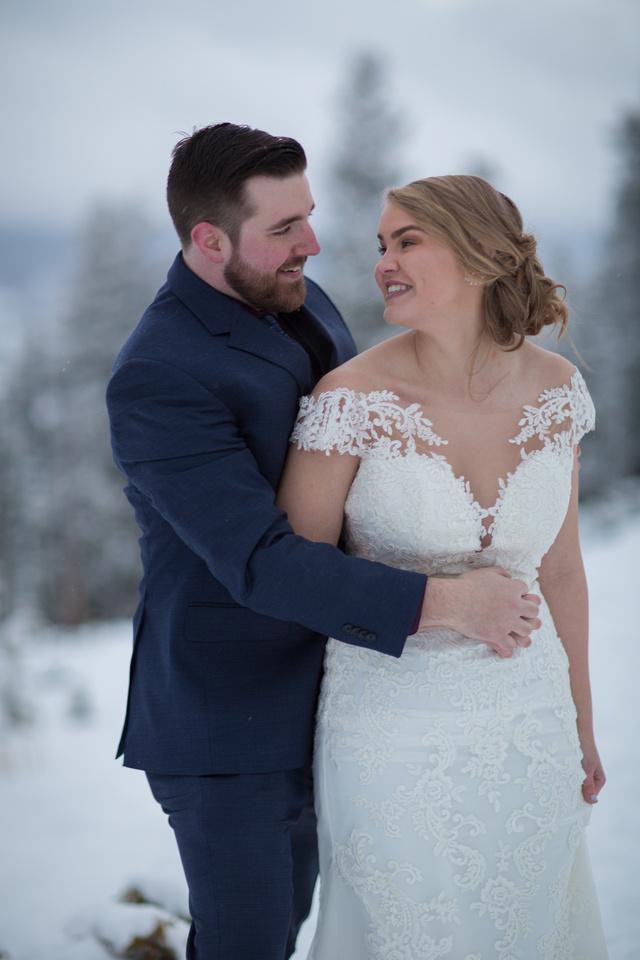 Winter wedding photographer Breckenridge