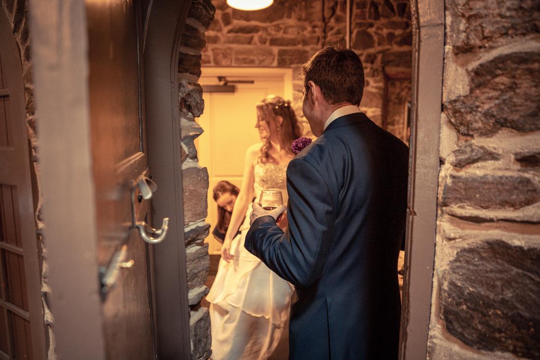wedding photos chief hosa lodge