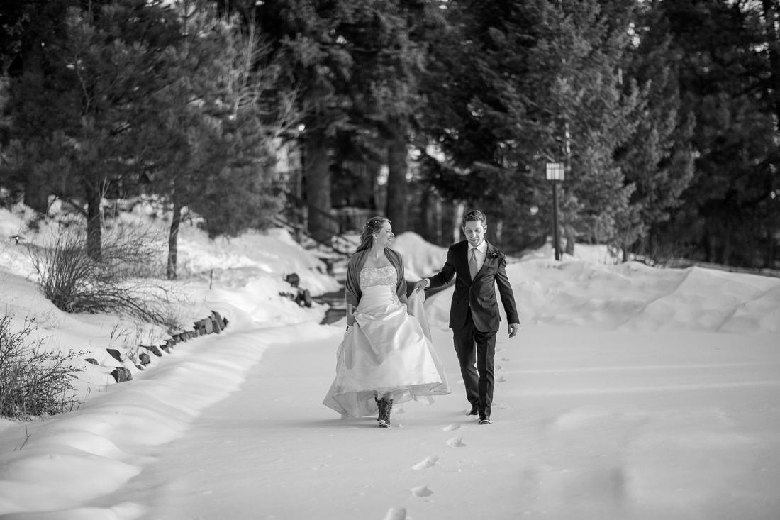 Small wedding photographer Chief Hosa Lodge